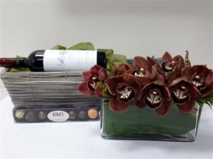ORCHIDS & WINE GIFT
